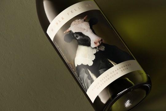 Ce vin dévoile un branding amusant qui transforme les animaux en nobles