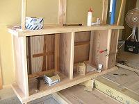 玄関収納(下足入れ)の造作状況 です。職人手作りのオリジナル 家具は既製品とは一味違います。