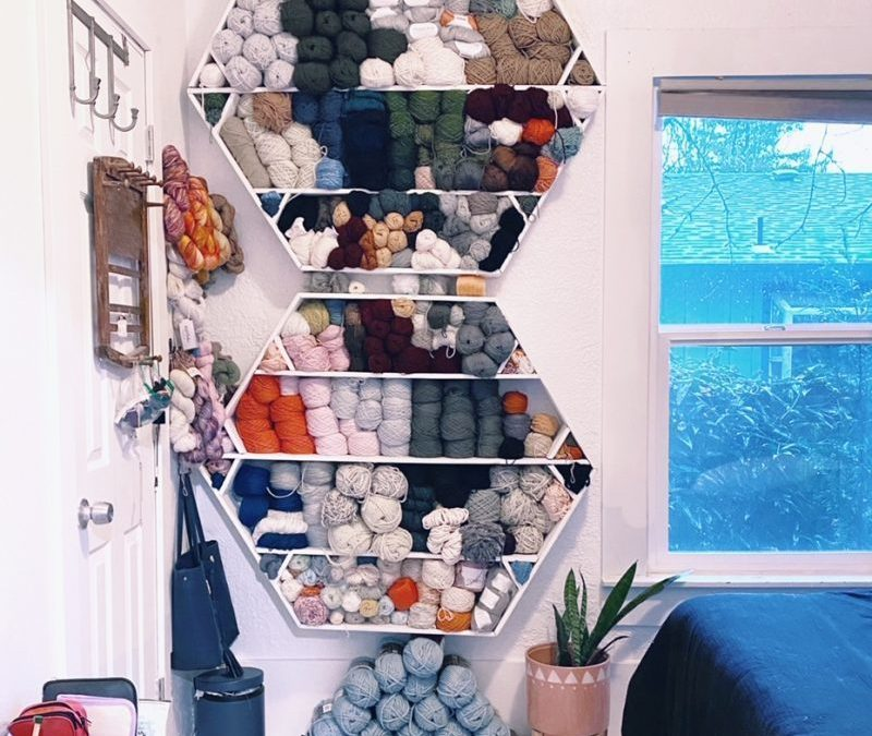 Decluttering my Dreams (and my yarn shelf)