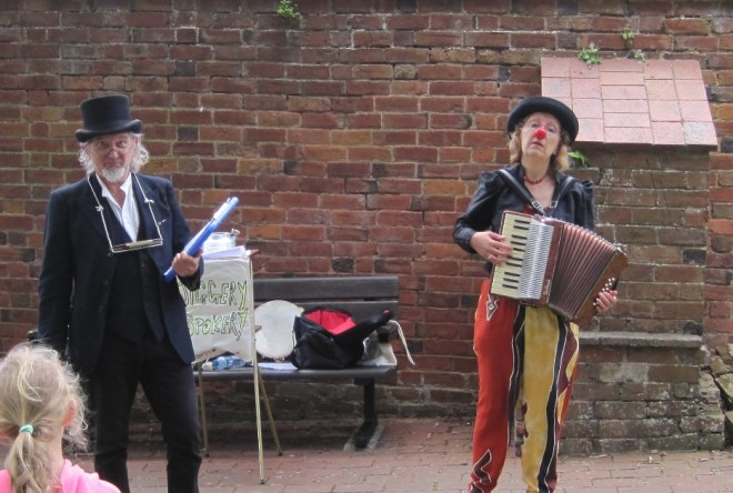 Jiggery Spokery performing in the walled garden