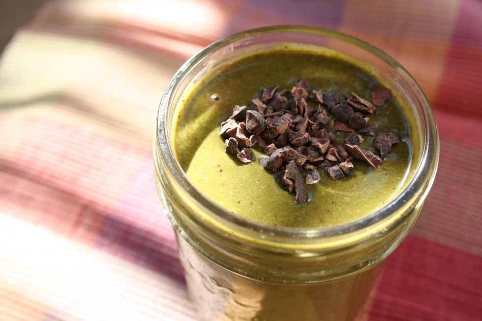 Chocolate Banana Smoothie (vegan, gluten free) - This healthy smoothie is a great way to start your day. It is packed with protein and flavor.