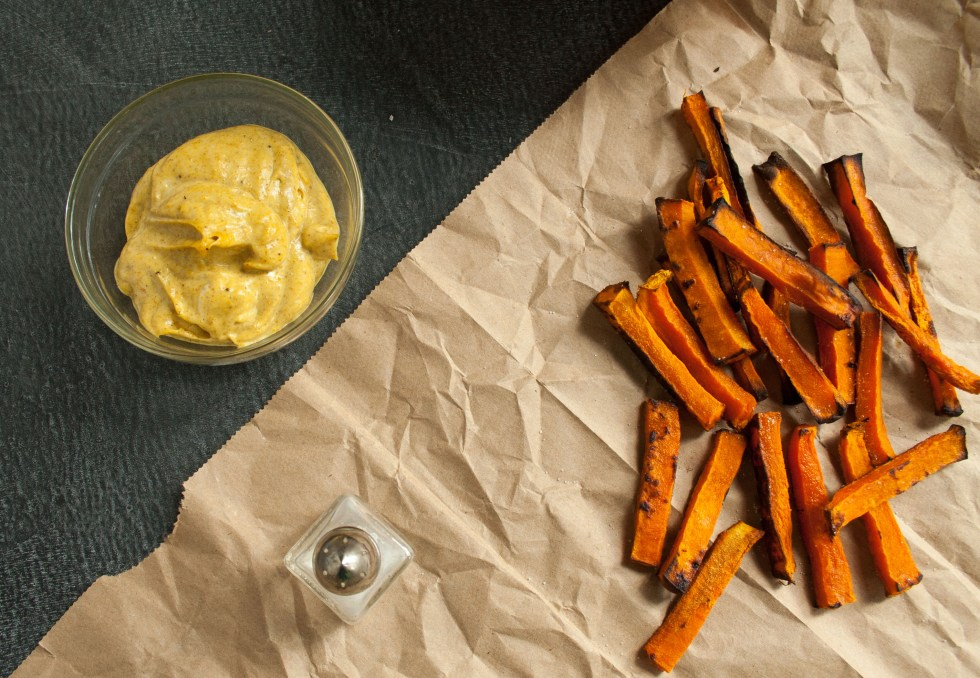 Butternut Squash Fries with Curry Mayo (vegan, gluten free) - These sweet healthy fries pair nicely with savory vegan curry mayo. They are perfect for a snack or side.