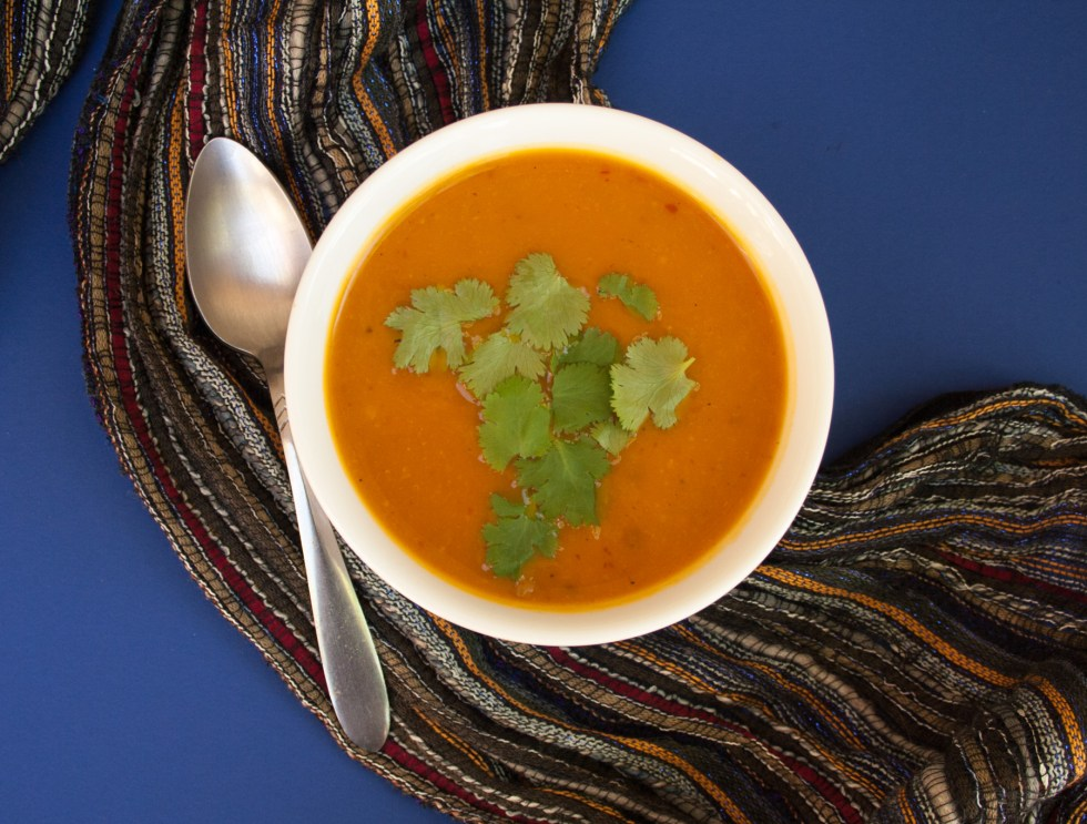 Chipotle Kabocha Soup (vegan, gluten free) - This smoky, spicy vegan soup will have your taste buds screaming for more!