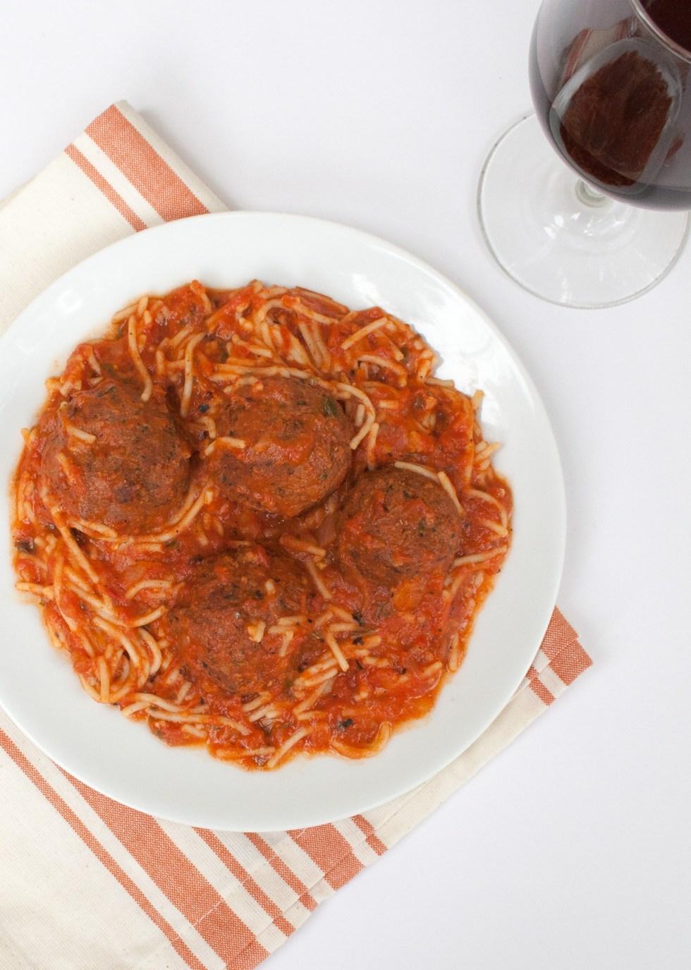 Spaghetti with Vegan Meatballs (gluten free, vegan) - This easy gluten free spaghetti uses pantry staples, including vegan meatballs that taste like pizza!