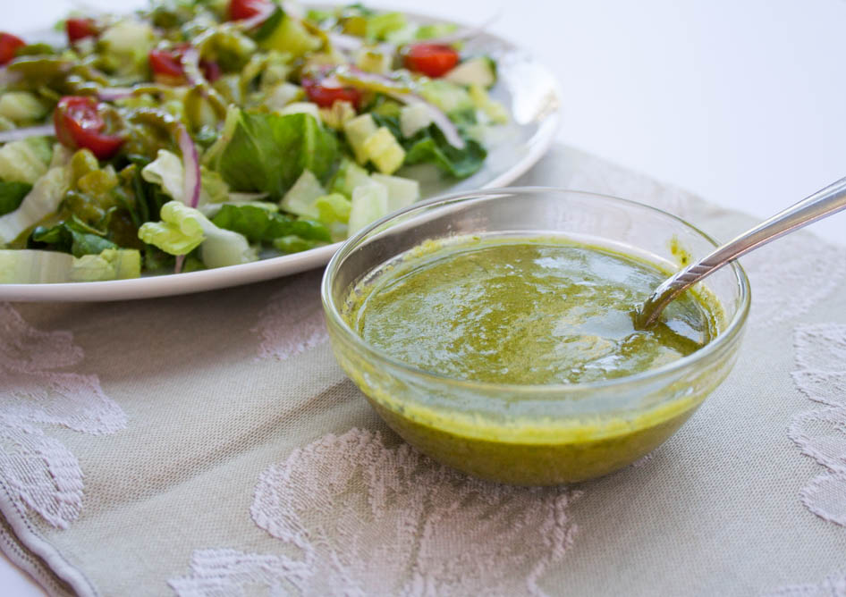 sil Dill Vinaigrette (vegan, gluten free) This addictive vegan salad dressing has fresh garden herbs, Dijon mustard, agave syrup, cheesy nutritional yeast, red wine vinegar, and extra virgin olive oil.