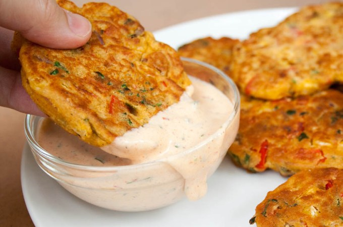 vegetable-fritters-with-hand