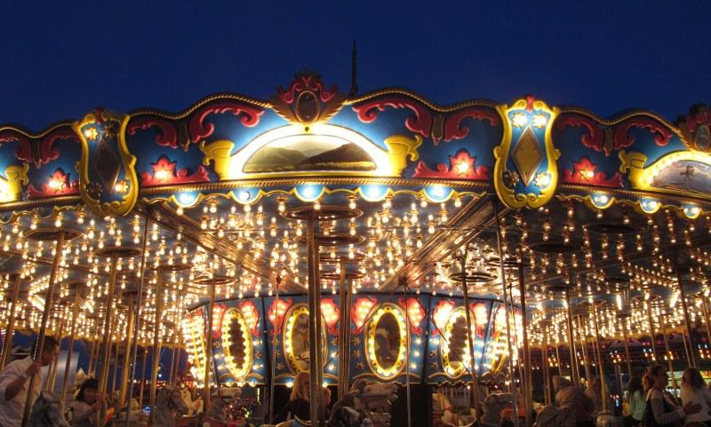 Carousel a Glow