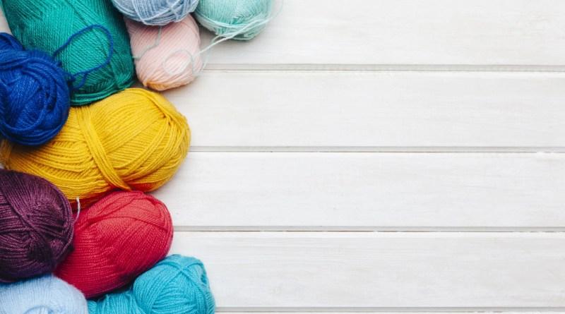 Make a mini yarn beanie