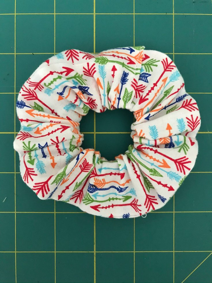 Make a fabric scrunchie from fabric scraps
