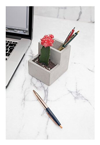 This concrete pen holder and succulent planter is another awesome stocking stuffer for the entrepreneurs in your life. See more in this Fun Gift Guide for Entrepreneurs at www.CreatingBeautifully.com