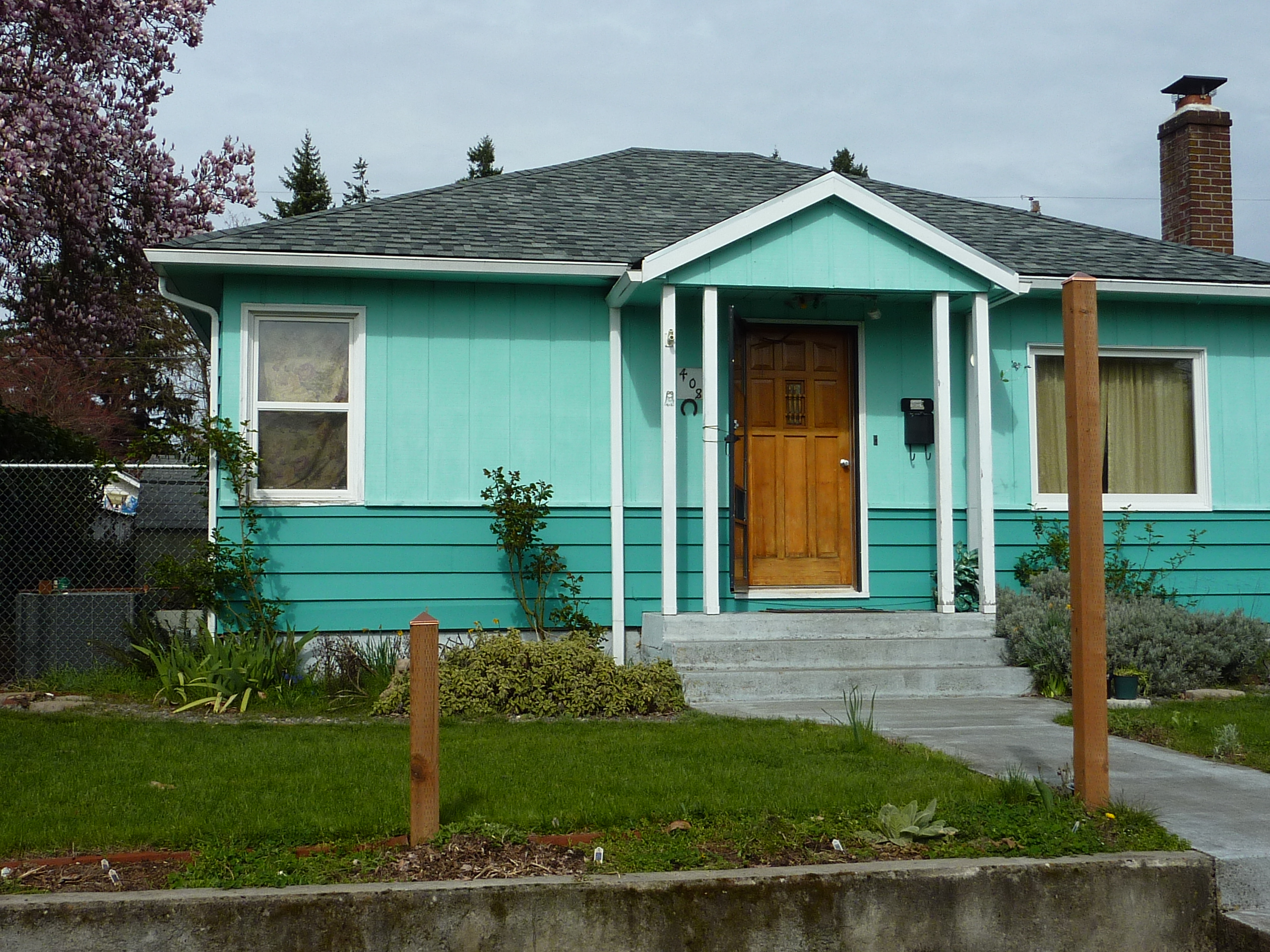 Does Your Exterior Paint Color Fight With Nature?