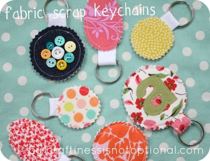 craftinessisnotoptional - fabric scrap keychains