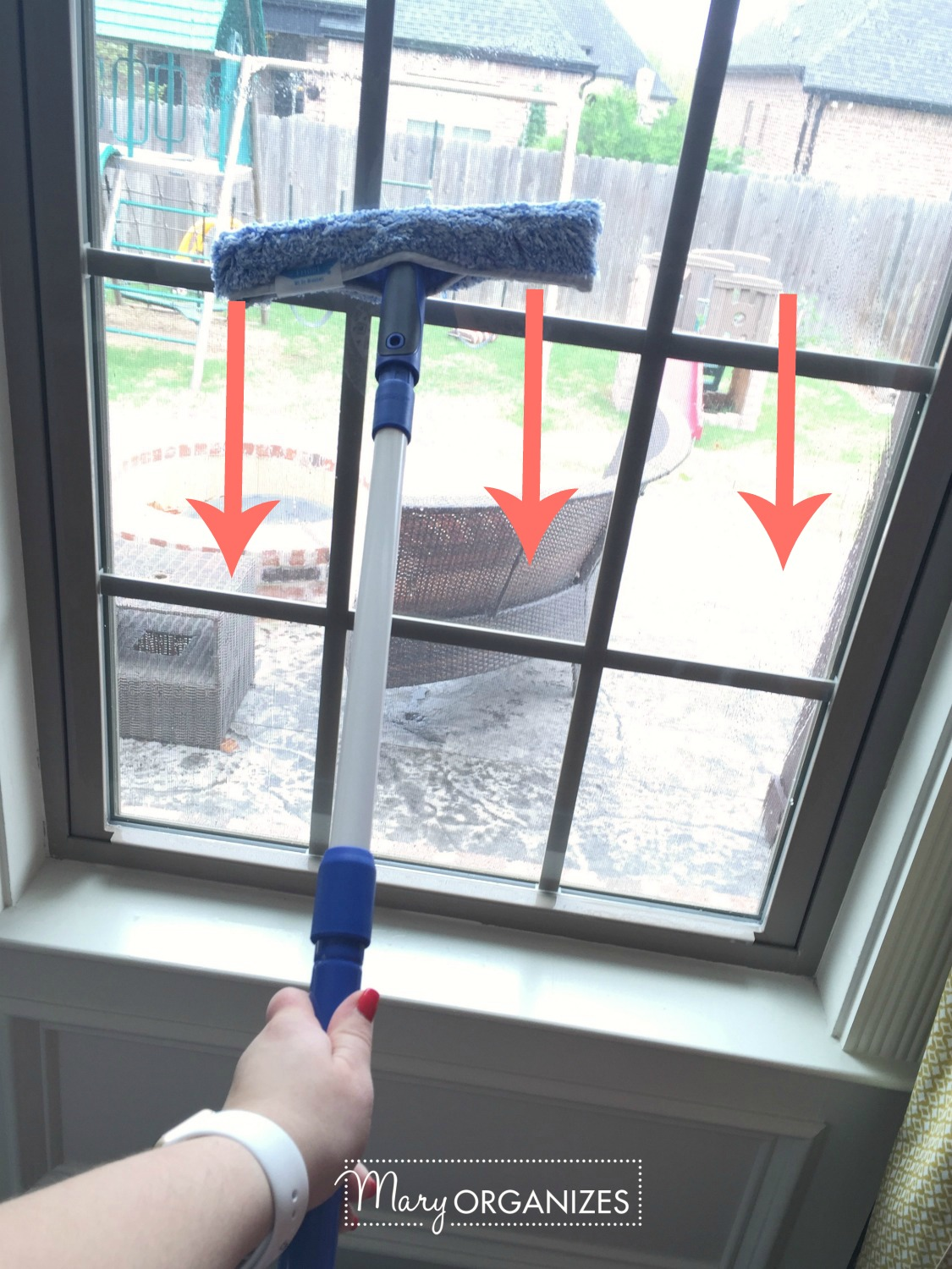 Two Ways To Clean Windows - like a pro -v