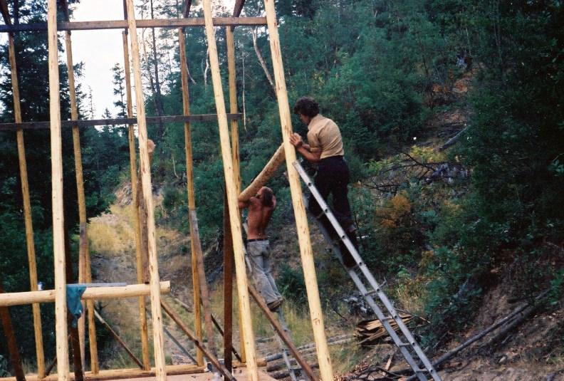 Building a log cabin in Oregon. Shaun Brink