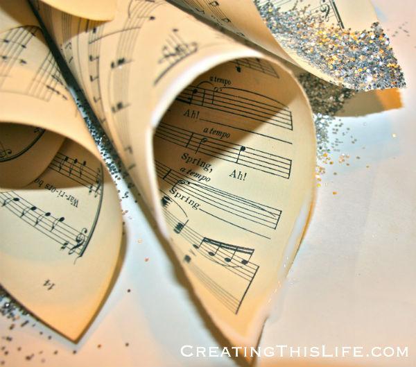 sheet music star wreath