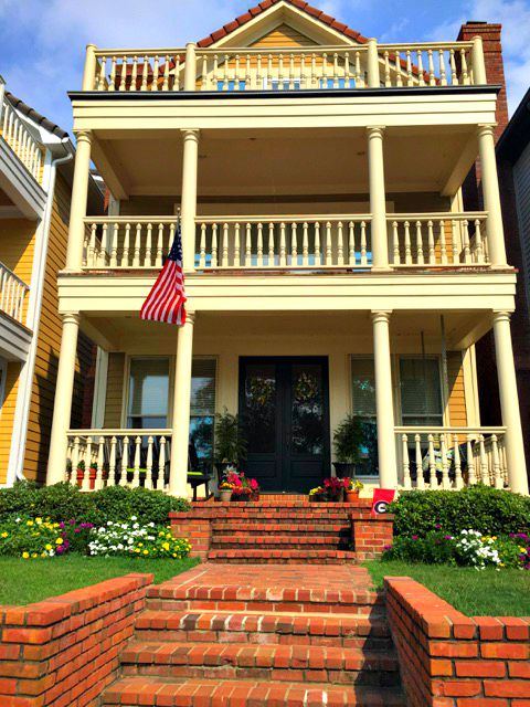 Mud Island Home with Porches