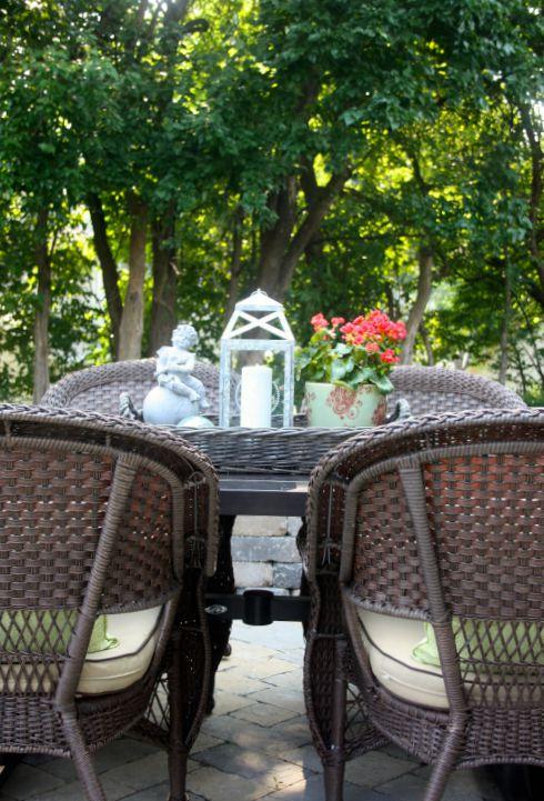 patio table decor