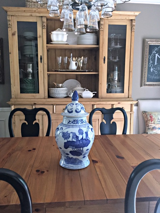 blue and white ginger jar as centerpiece