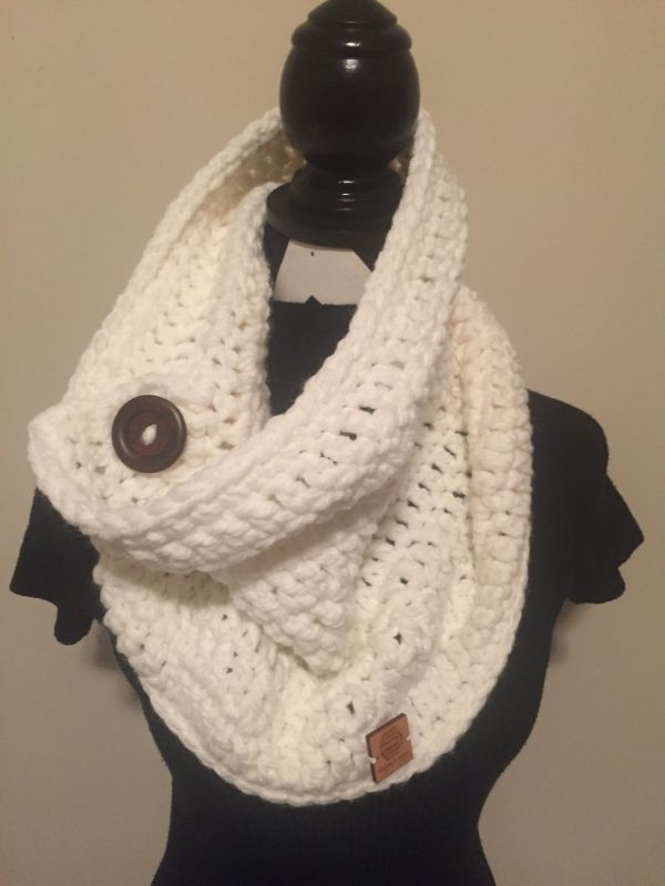 Chunky Cowl and Collar in off white