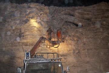 Rock Salt Mine showing bent layering, Wiki Commons