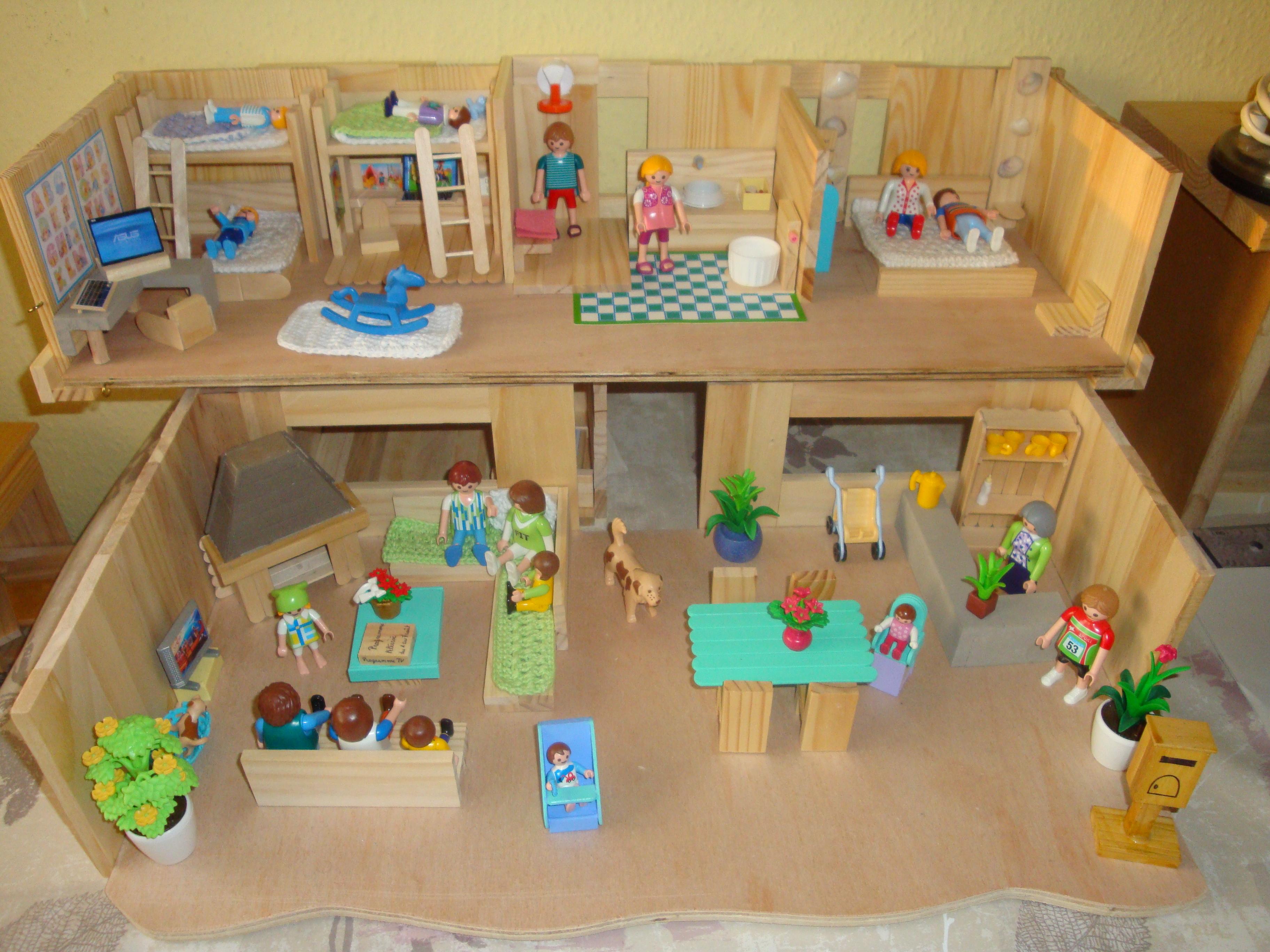 Playmobil product extra voila le final sympa non les enfants peuvent laisser leur imagination pour jouer dans cette grande maison