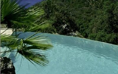 Bac tampon et piscine à débordement