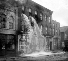 must-see-black-and-white-historic-moments-33-600x540