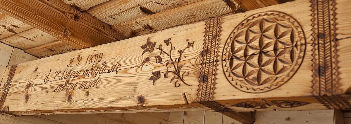 Woodcarvings from Zakopane, Poland © Tatra Museum