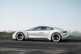 Porsche-Mission-E (1)