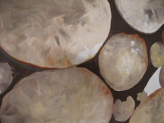 Man sieht einen Ausschnitt von gemalten Steine in Acryl der Künstlerin Dodo Kresse für Creative Club