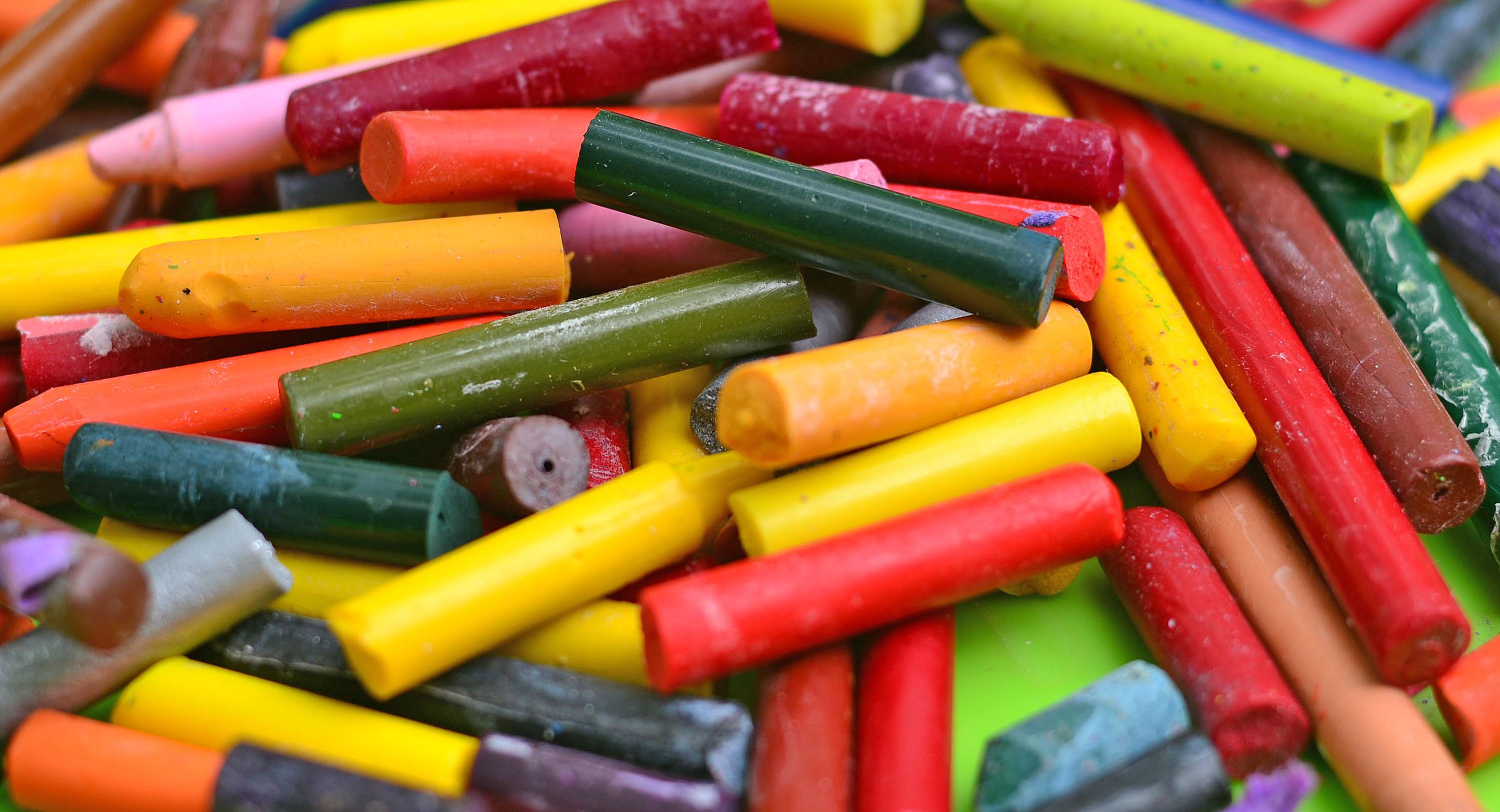 Melting Crayons Into Glitter Crayon Squares