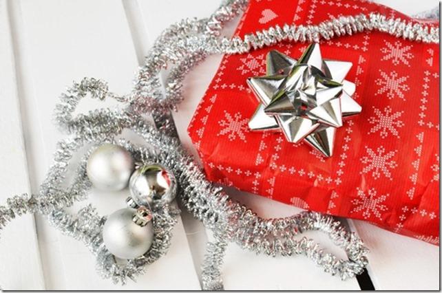 gift-present-christmas-xmas-medium
