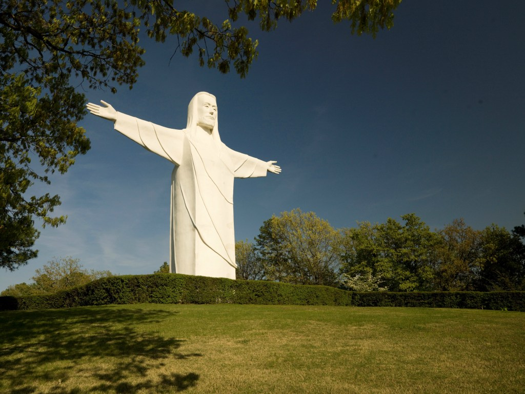 christ of the ozarks arkansas