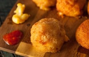 Baked Macaroni and Cheese Bites