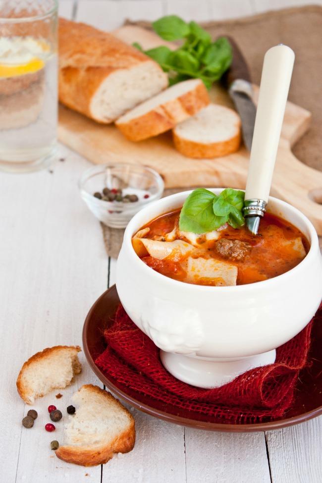 delicious hearty lasagna soup