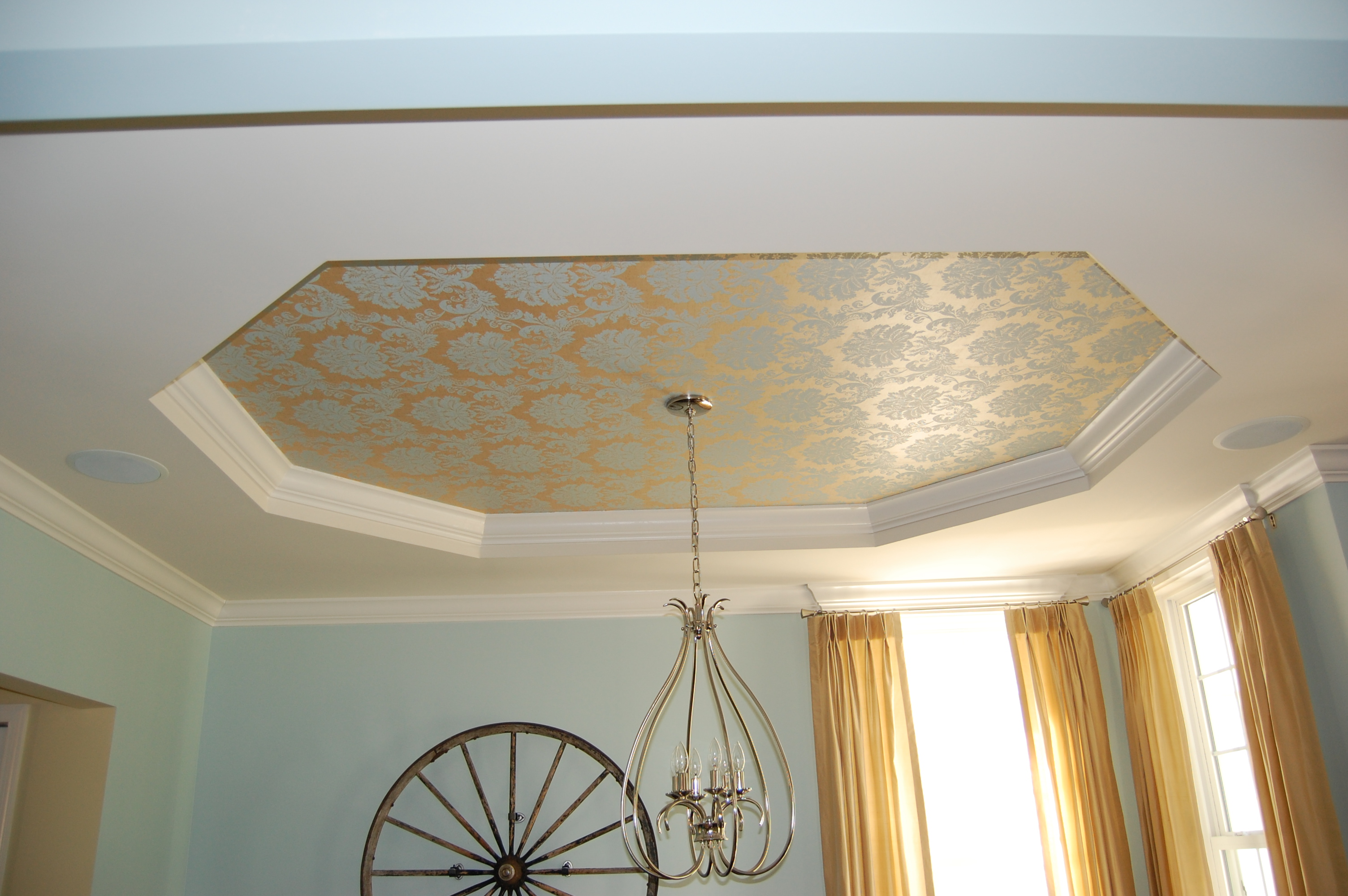 painting a tray ceiling