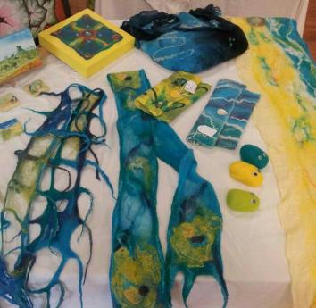 These colours remind me of the beach! Various felted goodies.