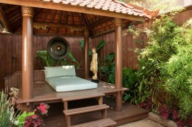 outdoor-room-