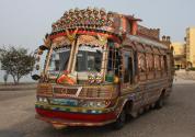 the_pakistani_bus_by_majacity-d3b2yi8