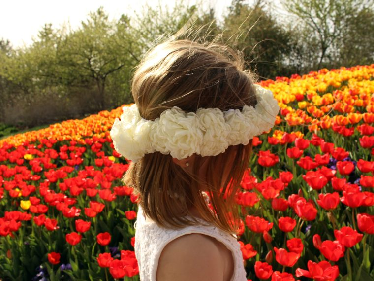 How to make a white flower crown