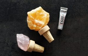 Make your own DIY Crystal Wine Stopper - Home Decor Idea