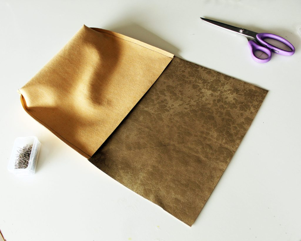 How to make a DIY Messenger Bag from scratch!