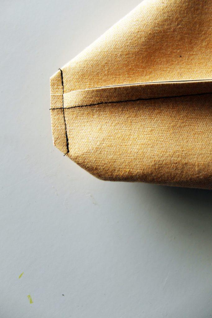 Make an easy DIY Messenger Bag from scratch!