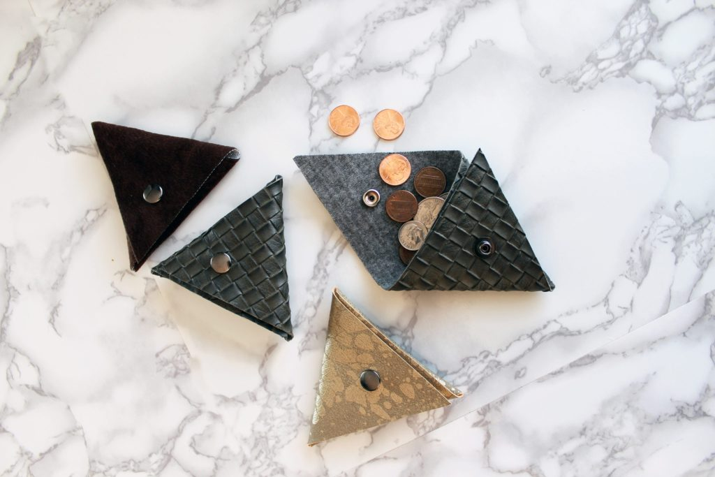 How To Make A Small Triangle Coin Pouch FREE Printable pdf Pattern Included