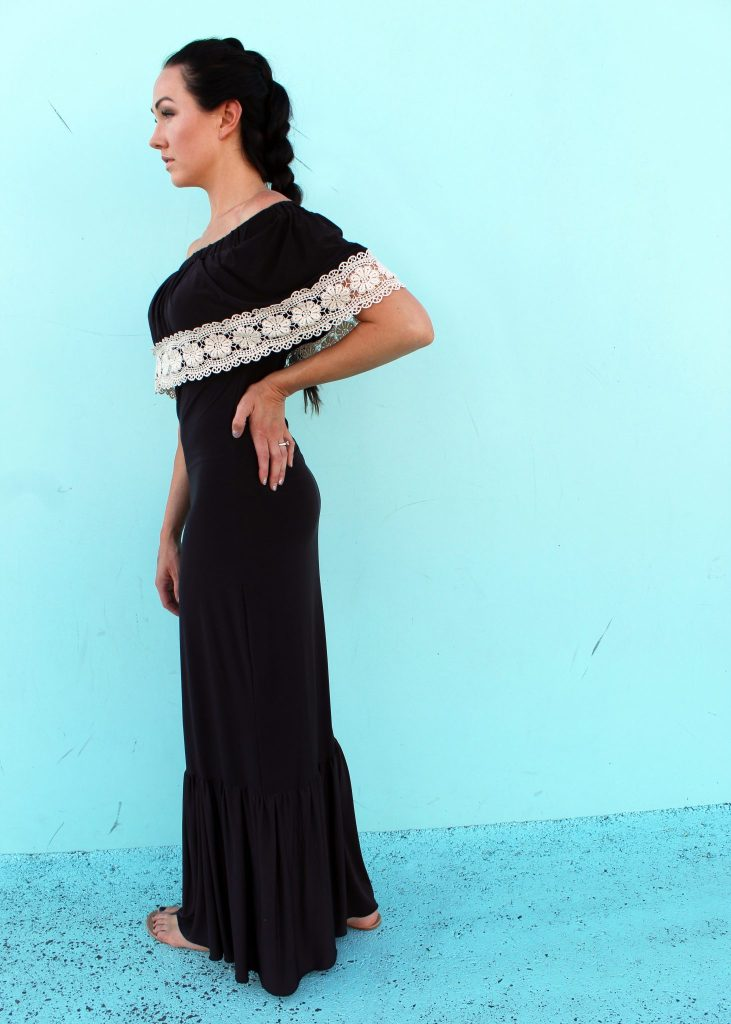 Easy DIY Maxi Dress Tutorial sewing project..