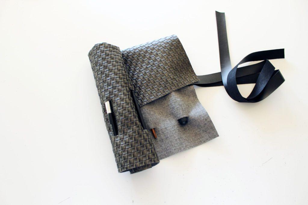 Simple DIY Makeup Brush Holder Travel Rolls