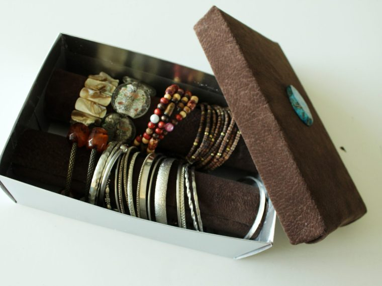 Make A luxe Jewelry Box Out of a shoebox!