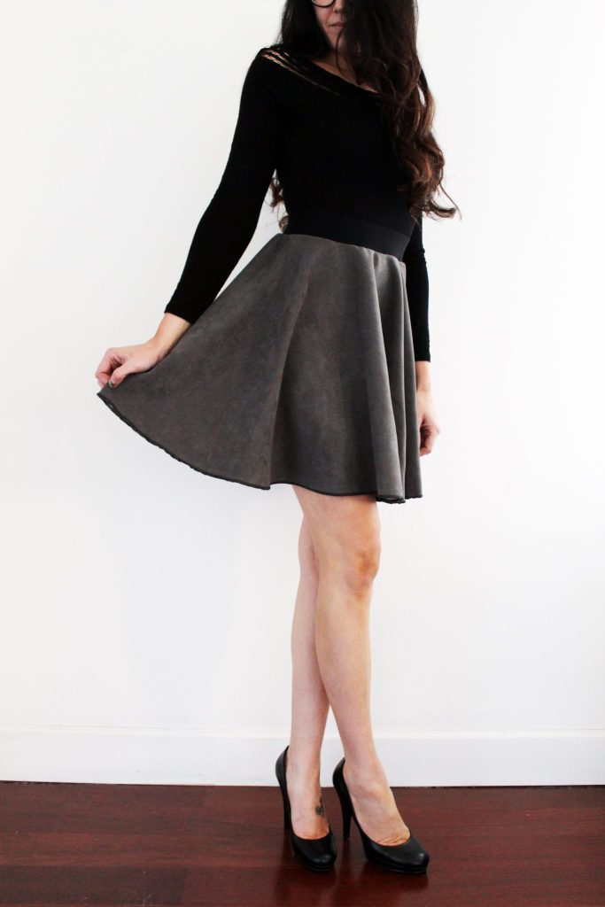 How to make a suede circle skirt . FREE pattern printable tutorial..