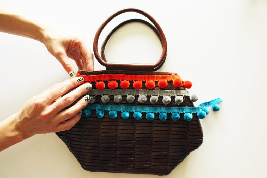 Pom Pom Basket Purse DIY Tutorial