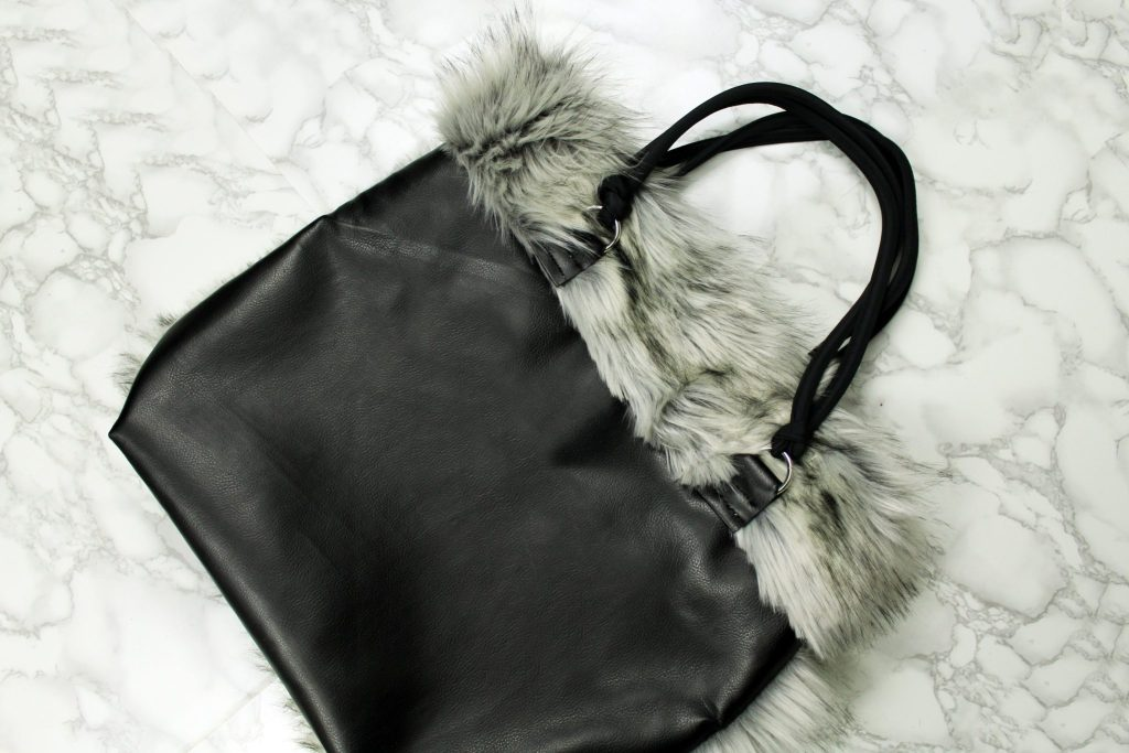 How to make a reversible tote with fur and leather yourself